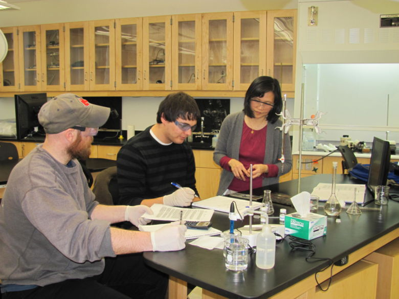Students working in chemistry lab.