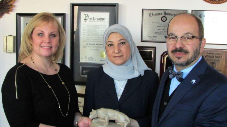 Wafa receives Lion shrine statue